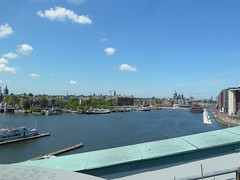 NEMO museum lookout (Elad283) Tags: nederland thenetherlands netherlands nl holland noordholland amsterdam architectureandbuildings city life citylife urbanlife view lookout observatory nemo nemomuseum skyline