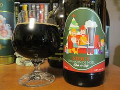 Mille Iles Stout du Matin de Noël (Quevillon) Tags: milleilesstoutdumatindenoël brasseriemilleiles imperialstout beer bière glass bouteille bottle ratebeer lesmarchandsdebières christmasbeer