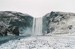 (annadosenes) Tags: iceland europe february winter cold travel journey adventure travelling landscape nature wild discover explore wander wandering roadtrip minimal composition colors analog 35mm film zenit zenit11 fujifilm fujicolor c200 skogafoss waterfall waters snow ice white