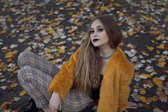 Marina (andreaalonso96) Tags: girl leaves leafs autumn photoshoot otoño fotoshoot chica mujer amarillo naranja yellow orange clothesçfashion moda ropa retrato portrait