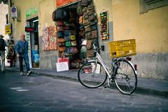 Bike // Italy Trip - Florence (Merlijn Hoek) Tags: florence trip italy nikon d810 italie merlijnhoek merlijn fotografiemerlijnhoek