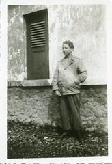 Nederlands Indie Tonnie van Gelder foto 1947 Collectie Henk van Gelder Echos 2017 2 (Historisch Genootschap Redichem) Tags: nederlands indie tonnie van gelder foto 1947 collectie henk echos 2017 2