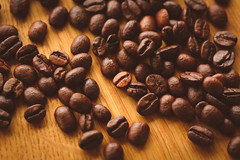 Modern Coffee Shop style (WildShutter Photographie) Tags: coffee shop modern hipster vintage old roasted bokeh bean beans warm brown yellow plant eco brew art wood table macro detail drink starbucks sunlight sun background preset urban living espresso italian style