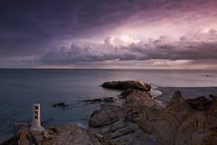M26 (jaocana76) Tags: sea marmediterraneo playa beach sunset atardecer canon1635 sandiego canoneos7d jaocana76 puntadelachullera manilva puntadecalasardina nubes nuboso clouds cloudy malaga andalucia spain españa rocks water seascape paisaje