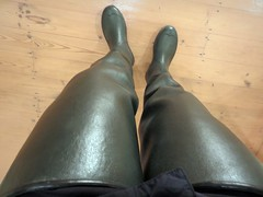 Best view in the house? (essex_mud_explorer) Tags: rubber boots gummistiefel rubberlaarzen waders thighboots thighwaders thigh cuissardes watstiefel lechameau delta