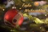 Merry Christmas - Frohe Weihnachten (MR-Fotografie) Tags: weihnachten christmas glitter ball weihnachtskugel kugel red rot tree weihnachtsbaum nikon d7100 nikkor 50mm 18d mrfotografie