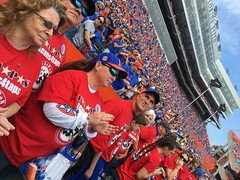 2016_T4T_University of Florida 141 (TAPSOrg) Tags: taps tragedyassistanceprogramsforsurvivors teams4taps gainesville florida universityofflorida football collegefootball salutingthosewhoserve survivors 2016 military outdoor horizontal footballfield redshirt group candid clapping