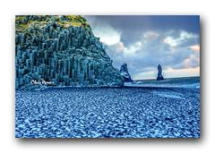Snow Meet Black Sand . (Chula Amonjanyaporn) Tags: จุฬา อมรจรรยาภรณ์ sony ilce7rm2 iceland snow sand black reynisfjarablacksandbeach raynisfjara europe chula amonjanyaporn beach
