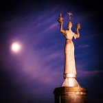 Imperia and the moon thumbnail