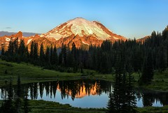 Rainier Radiance (Philip Kuntz) Tags: sunrise dawn daybreak morning mtrainier tipsoolake reflections chinookpassvolcano washington