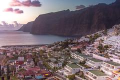 Los Gigantes (Andreas Balg) Tags: ocean rock town teneriffa water gigantes sun