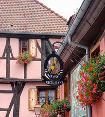 Vacances_0292 (Joanbrebo) Tags: riquewihr grandest francia fr hautrhin alsace streetscenes canoneos80d eosd efs1855mmf3556isstm autofocus signs letrero