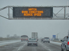 Snowy commute on I-35 North, 26 Dec 2017 (photography.by.ROEVER) Tags: olathe kansas usa 2017 december december2017 drive driving driver driverpic road highway interstate freeway i35 interstate35 snow snowy winter commute ontheroad