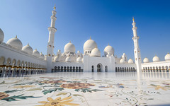 Sheikh Zayed Mosque (Michaela Loheit) Tags: zayed mosque abu dhabi flowers marble