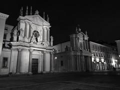The night is over! (VauGio) Tags: torino turin bianconero blackwhite huawei p10 leica notturno night