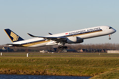 9V-SMK, Airbus A350-941, Singapore Airlines (Freek Blokzijl) Tags: 9vsmk airbusa350 a350941 singaporeairlines changi departure rotation takeoff amsterdamairport schiphol eham planespotting winterlight sunny winter luchthaven startbaan canon eos7d 70200l28isusm