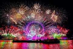 5T9W7648 (sinister pictures) Tags: pyrotechnics display firework thames celebrations 2018 newyear london uk england unitedkingdon gbr