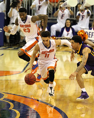IMG_4112a STEAL by Chris Chiozza (dbadair) Tags: universityuffloridagators2015120lsutigersbasketballsecodomeufoconnellcenter florida unitedstates uf gators sec basketball ncaa o'connell center gainesville