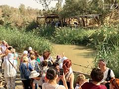 4 - Zarándokok a Jordán folyónál / Pútnici pri rieke Jordán