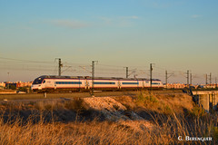 Ave-city 104 (ɢ. ʙᴇʀᴇɴɢᴜᴇʀ [ ō-]) Tags: 104 renfe ave valencia railway railroad