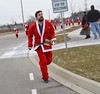 2017 Santa Pursuit (runwaterloo) Tags: julieschmidt runwaterloo 2017santapursuit santapursuit 2017santapursuit5km 2017santapursuit3km 1110