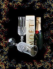 2017 Sydney: Happy New Year! (dominotic) Tags: 2017 celebrate happynewyear newyearseve champagne minimoët blackbackground sundaylights smile flickrfriday smileonsaturday fromtooldnew sydney australia