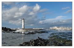 Picnic at Perch Rock (geoff7918) Tags: newbrighton perchrock lighthouse irishsea mersey 1827 angleseygranite