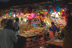 Street photography / low light / happy new year 2018 (Rajavelu1) Tags: streetphotography stall candidstreetphotography lowlightstreetphotography dslr handheld availablelight art creative india nightstreetphotography hanheldphotography artdigital
