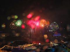 Fireworks in rain (elenaleong) Tags: firework countdownmarinabay singapore elenaleong countdown2018
