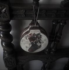 Boîte en tôle repoussée (Gilbert-Noël Sfeir Mont-Liban) Tags: weihnachten noël christmas box boîte