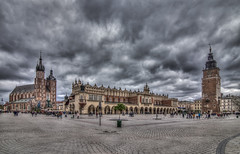 Krakow old town square (Vagelis Pikoulas) Tags: krakow poland travel photography landscape city cityscape november autumn 2017 dramatic sky clouds cloudy canon 6d tokina 1628mm