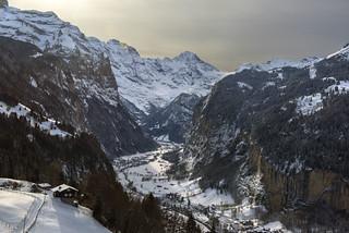 Swiss winter time : Wengen and Lauterbrunnen .Canton of bern. 29.12.17, 13:14:27. No. 3910.