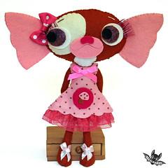 Gizzy (Ana Camamiel) Tags: gizmo gremlin thegremlins handmadedoll artdoll feltdoll dolls muñecas camamiel felt doll gremlins