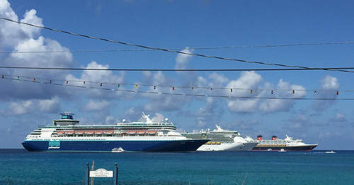 "Cruise Ships in Grand Cayman • <a style=""font-size:0.8em;"" href=""http://www.flickr.com/photos/28558260@N04/38949825002/"" target=""_blank"">View on Flickr</a>"