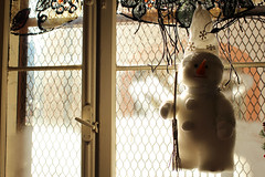 Snowman on the window (Katrinitsa) Tags: strasbourg2017 window christmas snowman decoration christmasdecoration strasbourg france restaurant holidays hanging colors architecture interior bokeh focus detail macro travelphotography travel canon canoneosrebelt3i canoneos600d ef35mmf14lusm awesome amazing beauty beautiful dream dreamer happy happiness joy smile light shadows carrot nose perfect breathtaking
