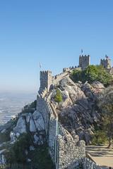 Recorriendo las ruinas (palm z) Tags: sintra portugal castelo mouros castillo moros ruinas