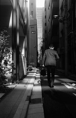 冒険者 (adventurer) (Dinasty_Oomae) Tags: ナーゲル ヴォレンダ nagel vollenda 白黒写真 白黒 monochrome blackandwhite blackwhite bw outdoor 東京都 東京 千代田区 tokyo chuyodaku