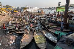 Sadarghat (Hiro_A) Tags: sadarghat dhaka olddhaka bangladesh ship boat people asia sony rx100m3