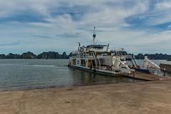 Trajekt na ostrov Cat Ba (zcesty) Tags: vietnam17 přístav moře loď vietnam halong dosvěta tphạlong quảngninh vn