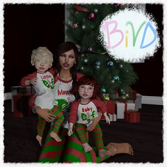 Cuddle Trio - LTTLSMLLSTYL (awesomesaucenw) Tags: secondlife pose mother son daughter child toddler toddleedoo td bebe baby 3 person family christmas holiday group sl bivd