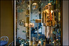 Christmas time ... (miriam ulivi) Tags: miriamulivi nikond7200 italia liguria portofino vetrina shopwindow manichino dummy decorazioninatalizie christmasdecorations