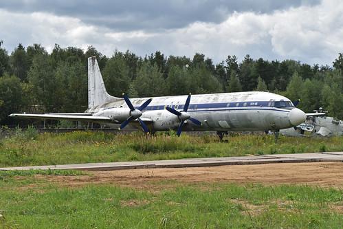 Ilyushin IL-18V 'CCCP-75737'