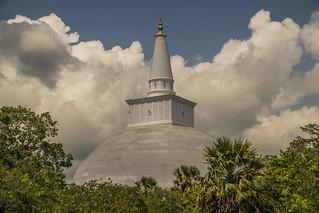 Ruwanwelisaya Stupa in Anuradhapura