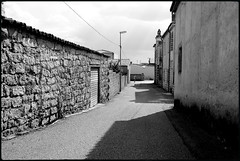Glimpses of Sardinia n. 27 (Franco & Lia) Tags: street fotografiadistrada photographiederue alàdeisardi sardegna sardinia glimpsesofsardinia biancoenero blackandwhite noiretblanc 2485f284