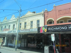 34 Bridge Road, Richmond Melbourne (d.kevan) Tags: melbourne richmondmelbourne bridgeroad shopfronts australia cafés cars onthetram streetscenes