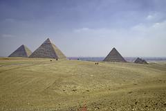The Pyramids of Giza (T Ξ Ξ J Ξ) Tags: egypt cairo fujifilm xt2 teeje fujinon1655mmf28 giza pyramids