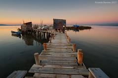 Carrasqueira (Ricardo Bentes) Tags: carrasqueira lisbon peer boats water tagus hut wood fuji samyang