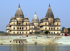 orchha 2017 (gerben more) Tags: chattri river india tombe tomb water
