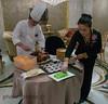 Chine, canard laqué (louis.labbez) Tags: chine ville china town labbez asie asia shanghai canard duck pã©kin laquã© repas meal dã©coupe chef cuisinier cook volaille pékin laqué découpe