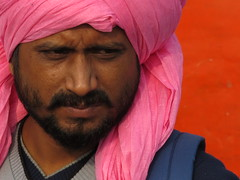 varanasi 2017 (gerben more) Tags: man beard handsomeman turban photographer varanasi benares india colours colors people portrait portret